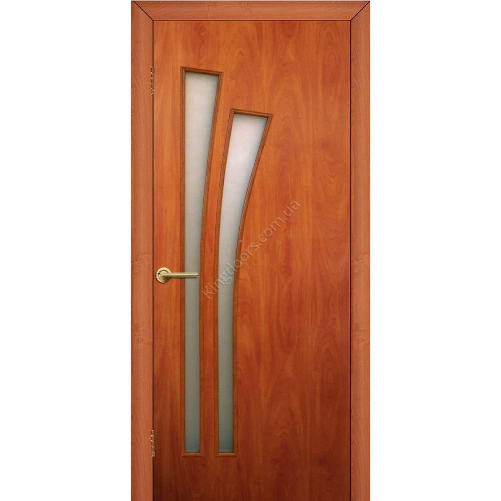 Цвет орех на двери