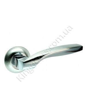 Дверная ручка на круглой розетке Модель Гранд. Цвет сатин